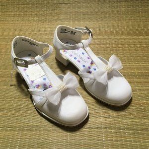 Girls White Mary Jane Dress Shoes